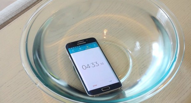 Samsung Galaxy S6 Edge протестировали на водонепроницаемость